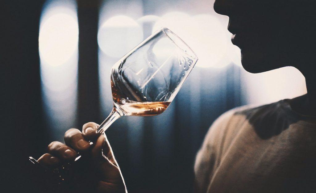 cách thưởng thức rượu vang đúng cách