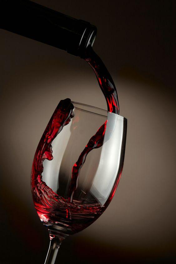 Tác dụng tuyệt vời của rượu vang đỏ không phải ai cũng biết