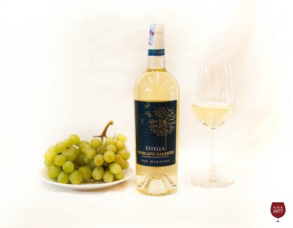 rượu vang trắng Estella Moscato