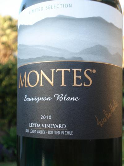 bao bì rượu vang Montes Limited Selection Chardonnay