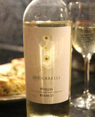 giới thiệu rượu vang Luccarelli Bianco