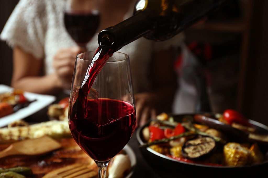 Lợi ích khi sử dụng rượu vang đỏ