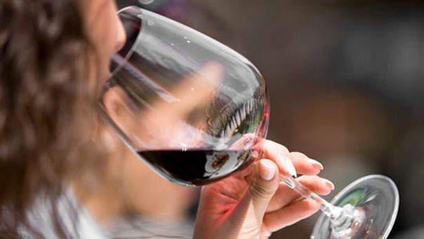 uống rượu vang lúc nào thì tốt