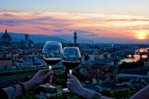 Hướng dẫn chọn rượu vang đi du lịch